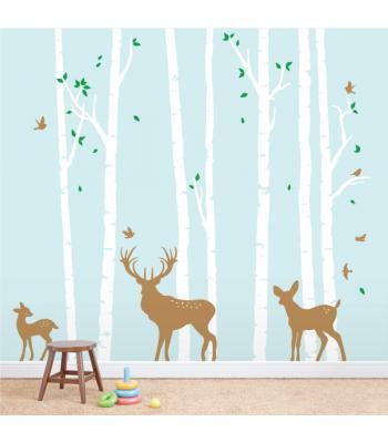 Beržų miškas su elniais