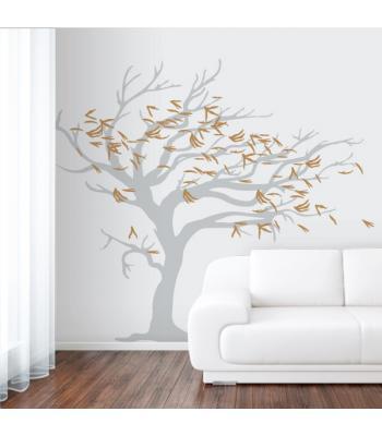 Vėjo draskomas medis